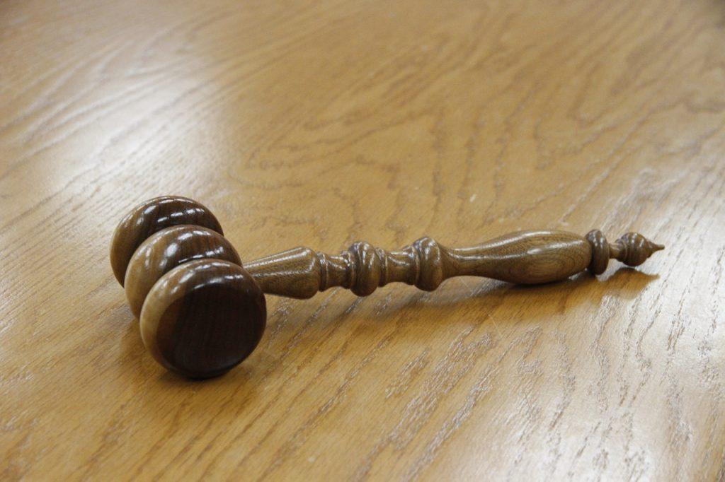 Comment réfuter un jugement?